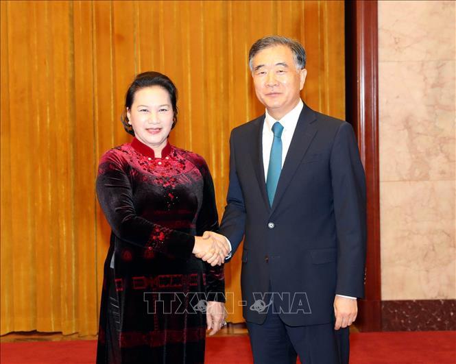 Làm sâu sắc hơn quan hệ tốt đẹp giữa Đảng, Nhà nước, nhân dân hai nước Việt - Trung