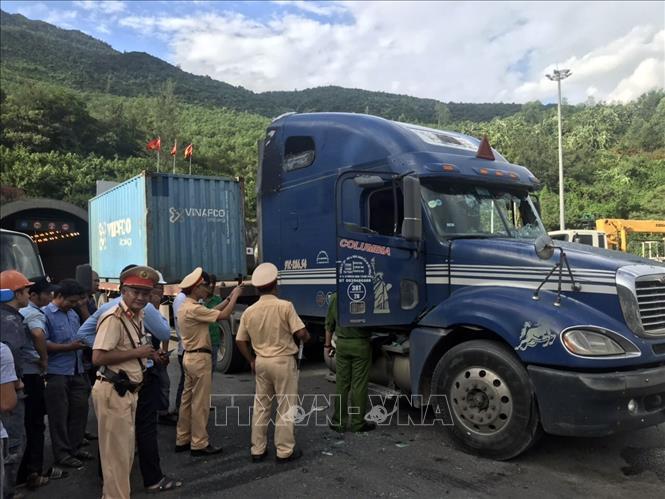 Bắt đối tượng có biểu hiện ngáo đá gây tai nạn giao thông liên hoàn trong hầm Hải Vân