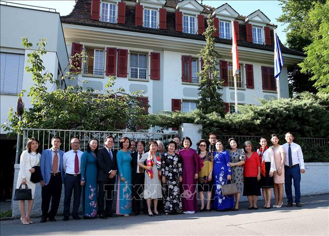 Đánh giá cao những hoạt động tích cực của cộng đồng người Việt Nam tại Thụy Sĩ