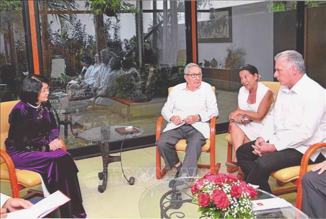 Phó Chủ tịch nước hội kiến các nhà lãnh đạo Cuba