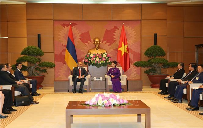 Chủ tịch Quốc hội Nguyễn Thị Kim Ngân hội kiến Thủ tướng Cộng hòa Armenia