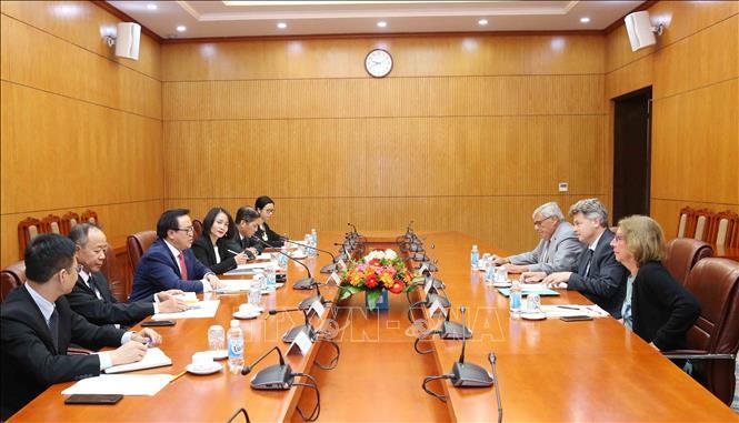 Đoàn đại biểu cấp cao Đảng Cộng sản Pháp  thăm Việt Nam
