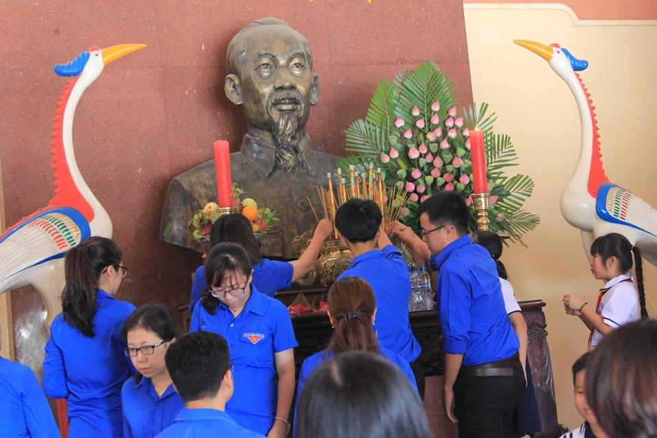 Nhiều hoạt động tưởng niệm 50 năm ngày mất Chủ tịch Hồ Chí Minh