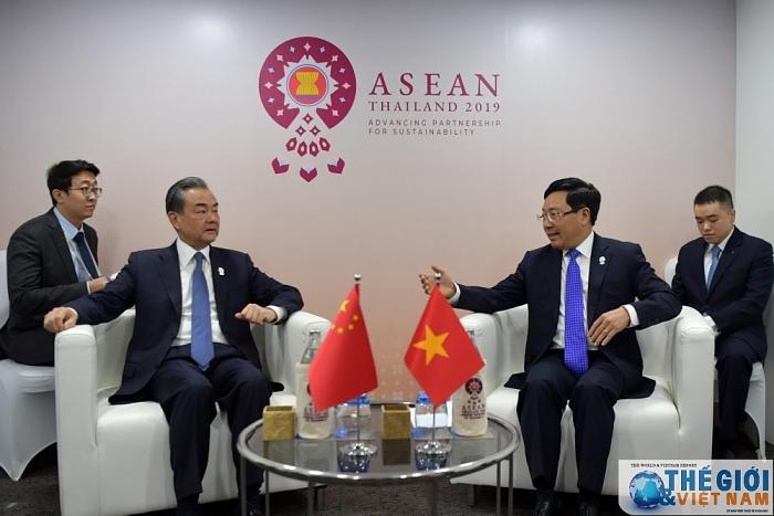 Phó Thủ tướng, Bộ trưởng Ngoại giao Phạm Bình Minh tiếp xúc song phương bên lề AMM 52