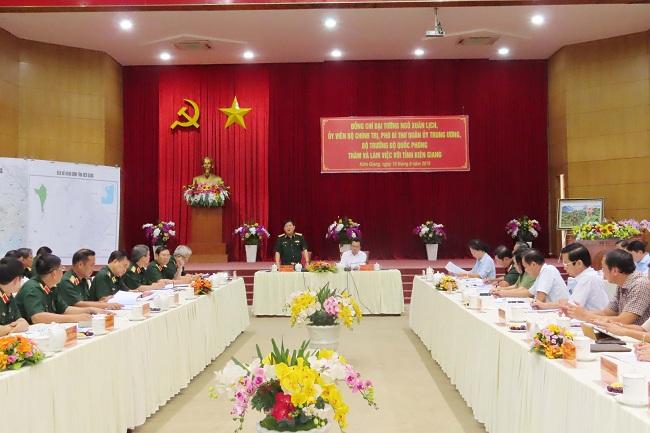 Đại tướng Ngô Xuân Lịch thăm và làm việc tại tỉnh Kiên Giang