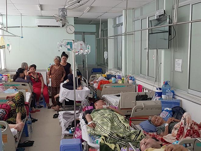 Kiểm tra phản ánh về kinh doanh giường dịch vụ tại bệnh viện công