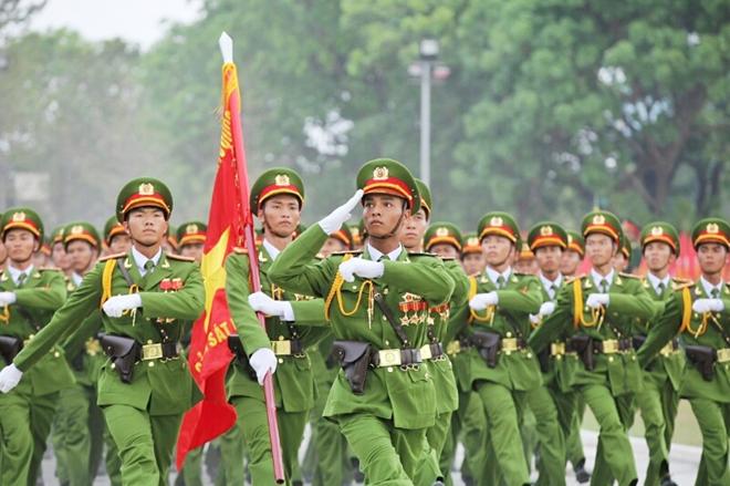 Xây dựng lực lượng Công an nhân dân vững mạnh toàn diện