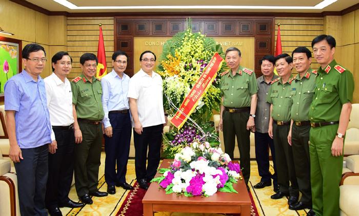 Tăng cường phối hợp, giữ vững an ninh chính trị trên địa bàn Thủ đô