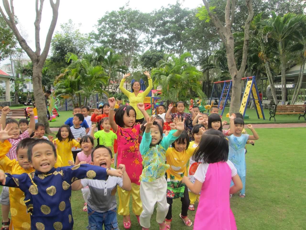 TP. Hồ Chí Minh ban hành khung mức thu đầu năm học mới