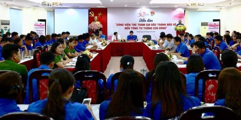 Đảng viên trẻ tham gia đấu tranh bảo vệ nền tảng tư tưởng của Đảng