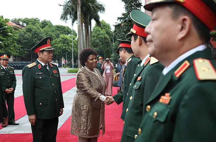 Thúc đẩy hợp tác quốc phòng Việt Nam - Nam Phi thực chất, hiệu quả