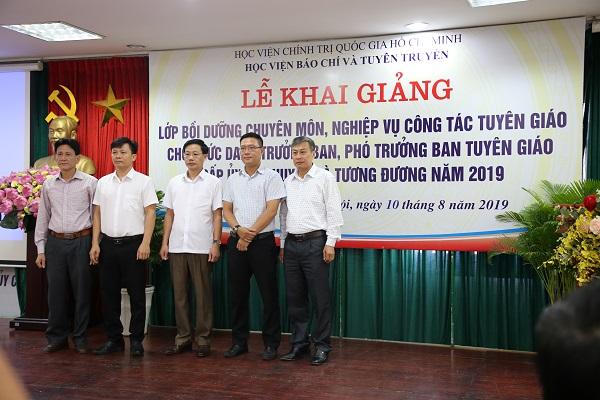 Nâng cao chuyên môn nghiệp vụ công tác Tuyên giáo cấp ủy cấp huyện