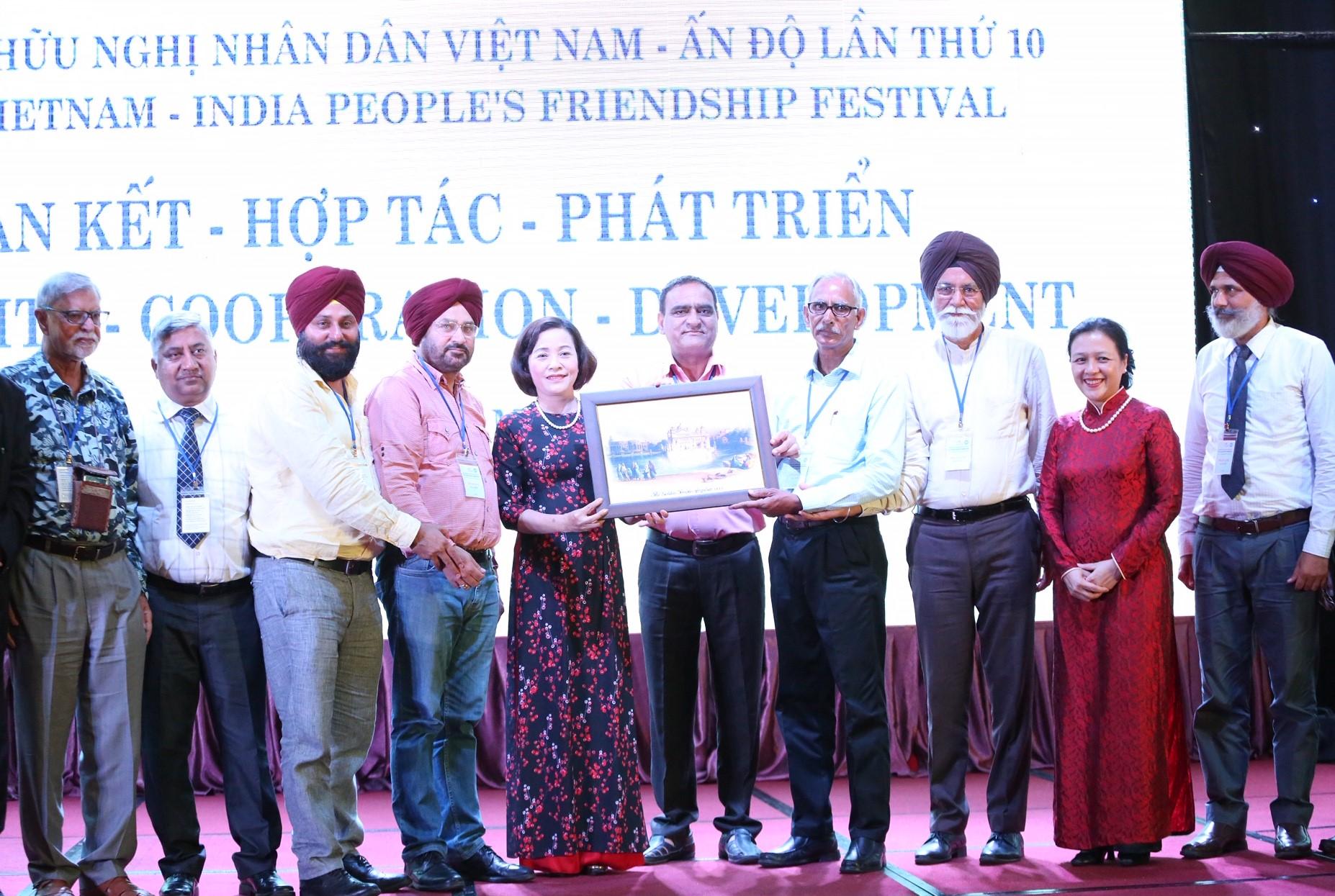 """Việt Nam - Ấn Độ: """"Đoàn kết - Hợp tác - Phát triển"""""""