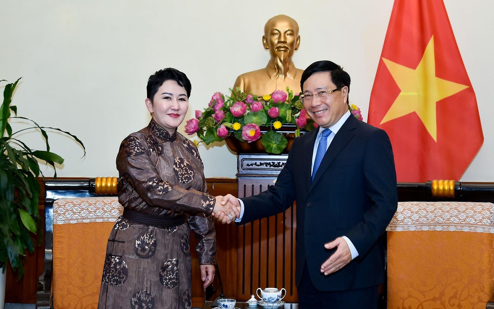 Thúc đẩy việc ký kết các văn kiện hợp tác Việt Nam - Mông Cổ