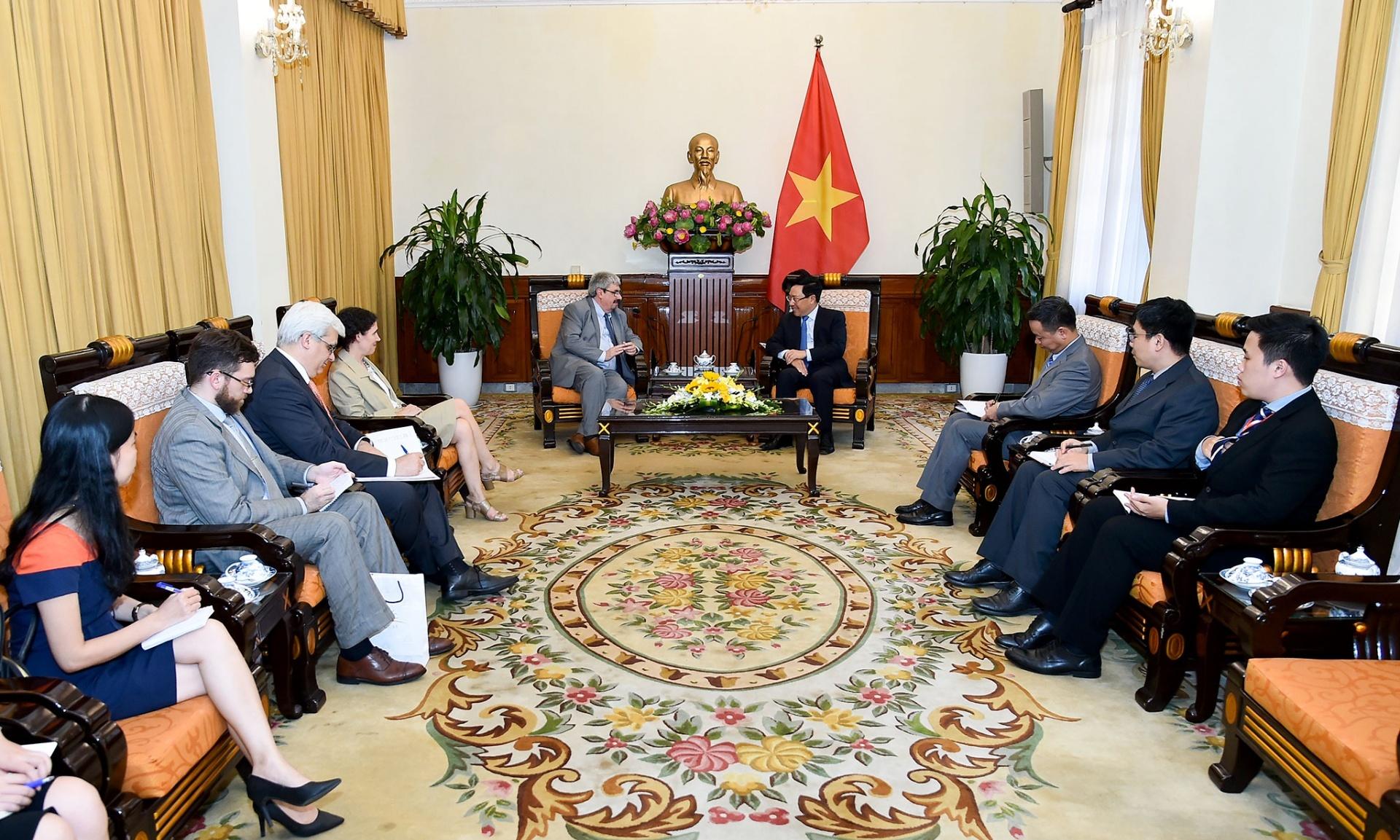 Việt Nam coi trọng phát triển quan hệ với Đông U-ru-goay