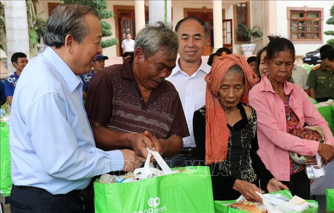 Phó Thủ tướng Thường trực Trương Hòa Bình thăm đồng bào dân tộc thiểu số, gia đình chính sách tại Bình Phước