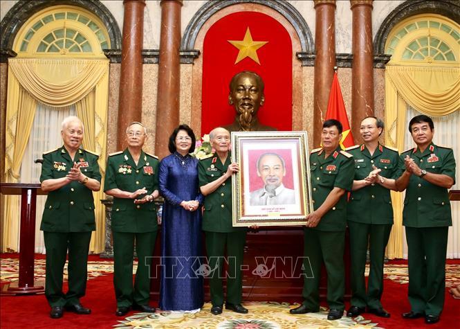 Phó Chủ tịch nước tiếp Đoàn đại biểu Ban liên lạc truyền thống Hội Cựu chiến binh Sư đoàn 308