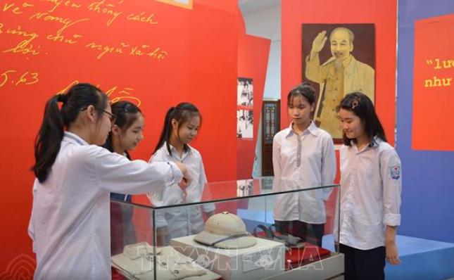 Triển lãm Bác Hồ với Đảng bộ và nhân dân Nam Định
