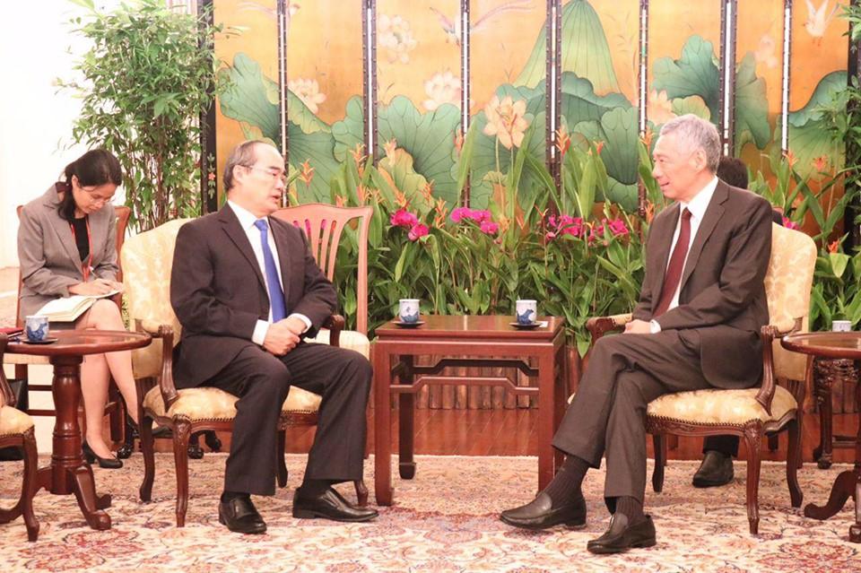 Bí thư Thành uỷ TP. Hồ Chí Minh Nguyễn Thiện Nhân chào xã giao Thủ tướng Singapore Lý Hiển Long