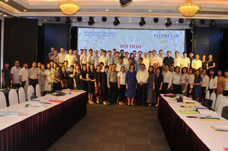 Tăng cường kết nối các trung tâm dịch vụ việc làm và cơ sở giáo dục nghề nghiệp
