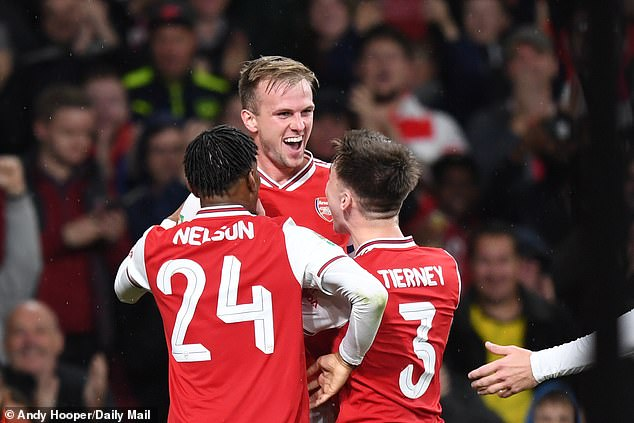 Arsenal ra quân đại thắng tại Cúp Liên đoàn