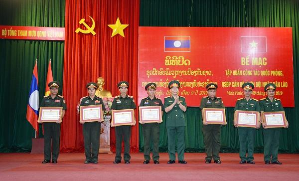 Hỗ trợ tập huấn công tác quốc phòng, quân sự địa phương cho QĐND Lào