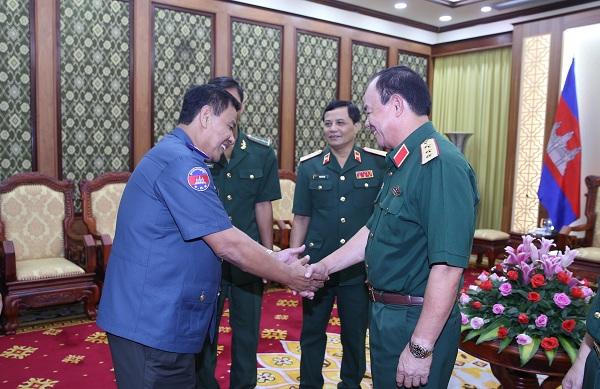 Củng cố và phát triển tình đoàn kết, hữu nghị Việt Nam - Campuchia