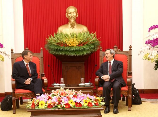 Kinh tế - thương mại luôn là trụ cột quan trọng trong quan hệ Việt-Mỹ