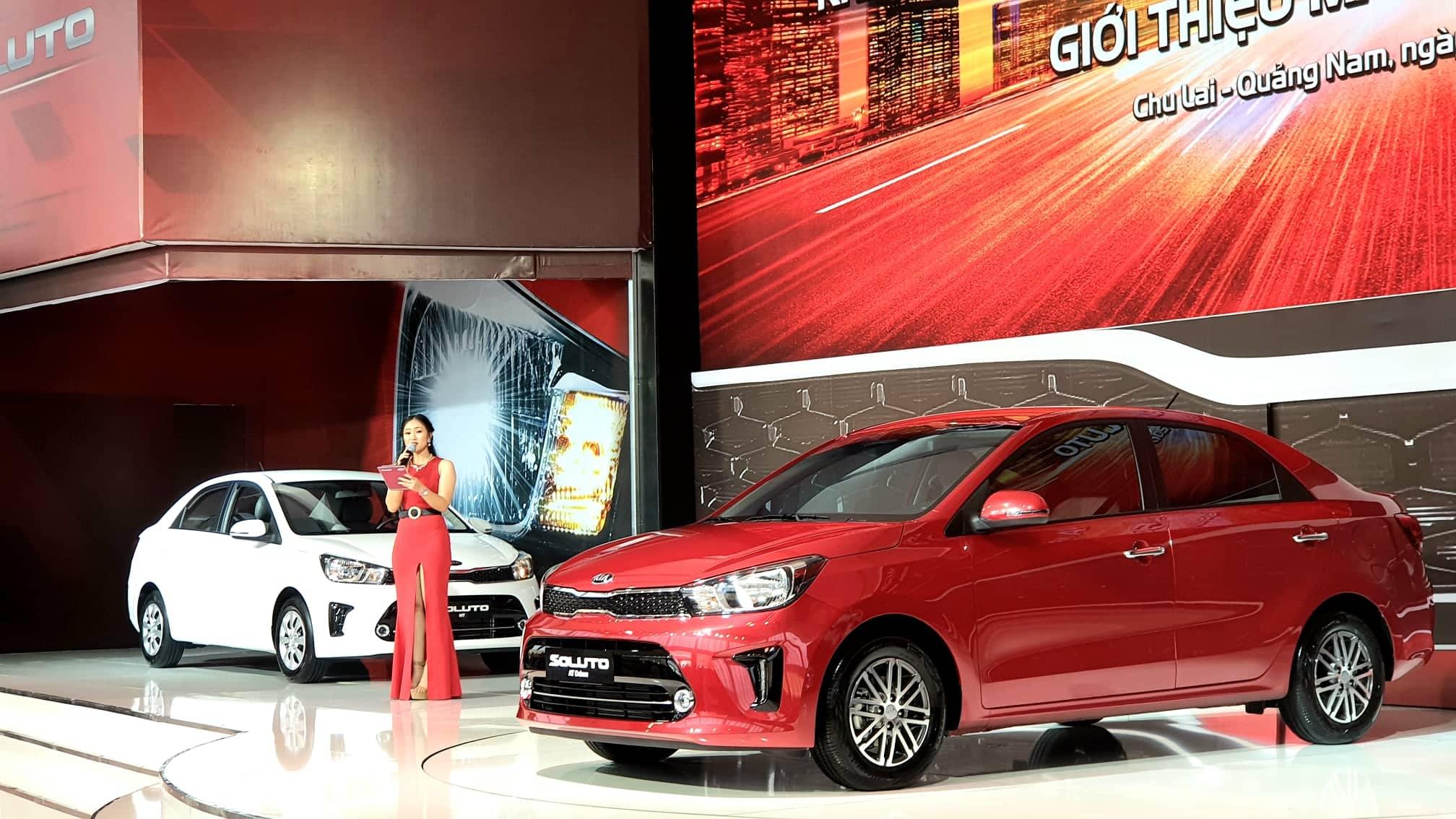 Thaco ra mắt mẫu xe ô tô Kia Soluto giá từ 399 triệu đồng
