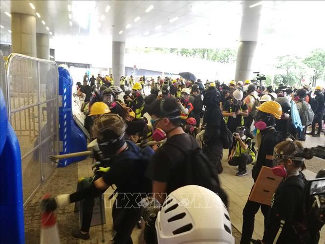 Cảnh sát Hong Kong cảnh báo những đối tượng biểu tình quá khích