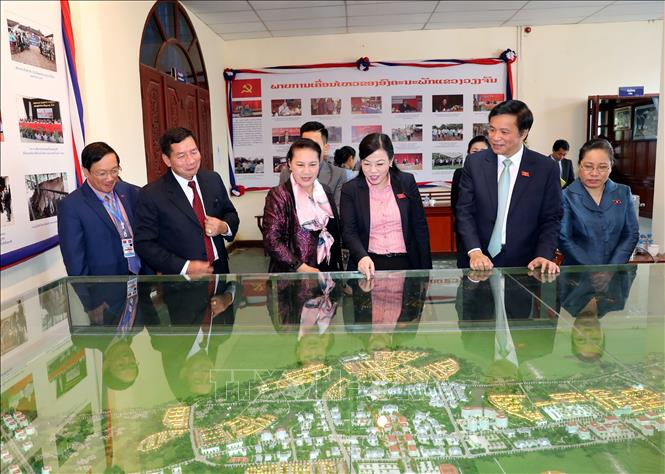 Củng cố vững chắc mối quan hệ hữu nghị  đặc biệt Việt - Lào