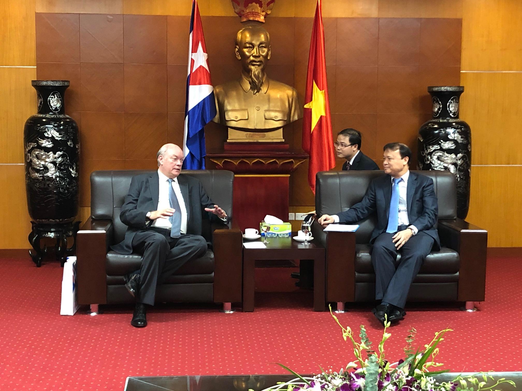 Bộ trưởng Ngoại thương và Đầu tư Nước ngoài Cuba làm việc với Bộ Công Thương