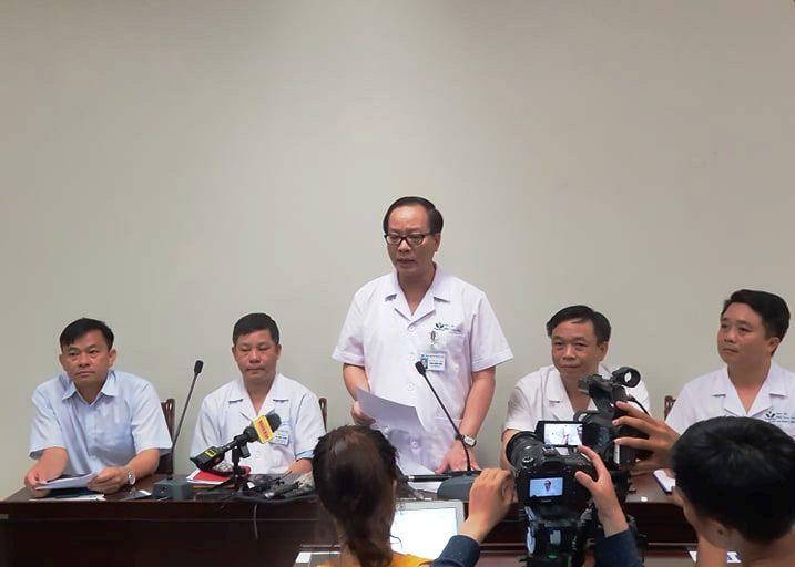 Bé 3 tuổi bị bỏ quên trên xe ô tô đưa đón ở Bắc Ninh