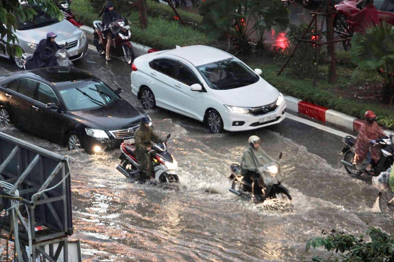 Bắc Bộ, Tây Nguyên và Nam Bộ mưa to, nguy cơ lũ quét, sạt lở đất