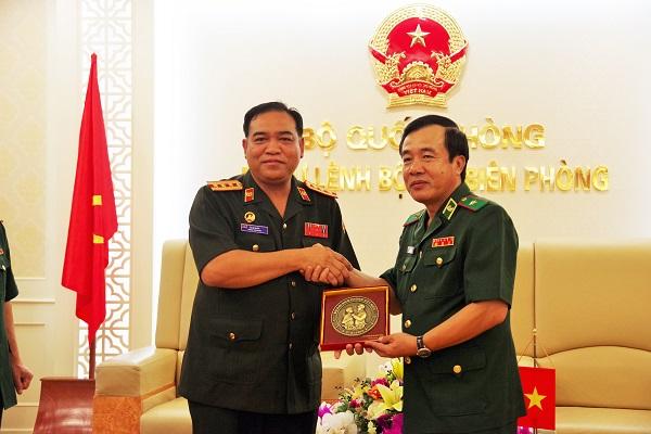 Xây dựng tuyến biên giới Việt Nam – Lào hòa bình, ổn định, hợp tác và phát triển