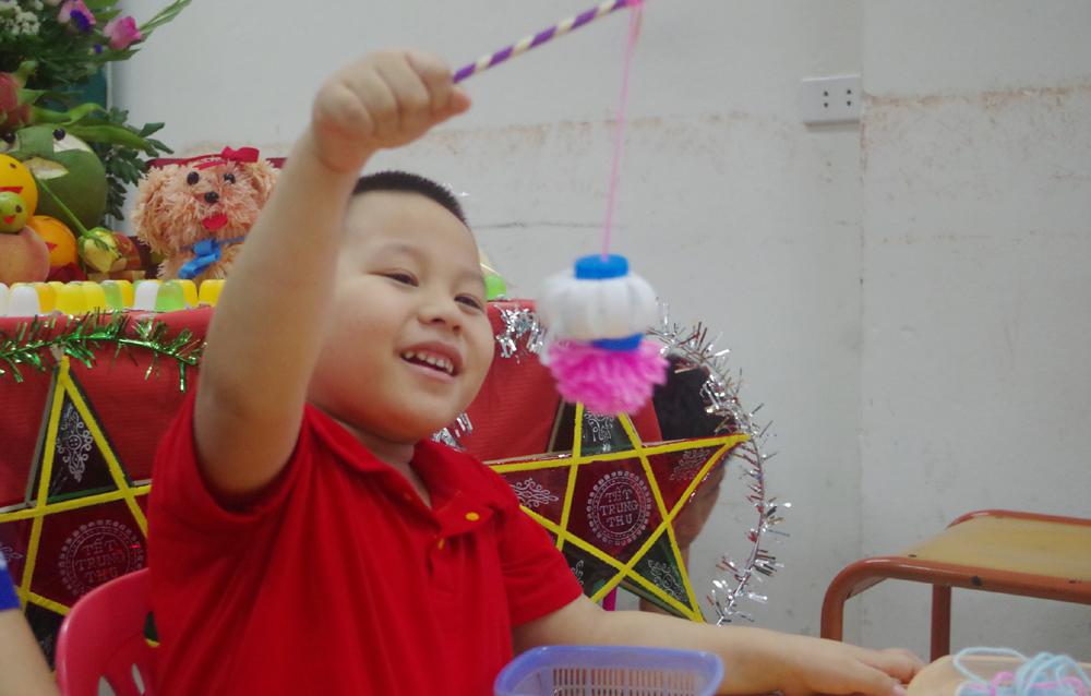 Trung thu sớm của các em nhỏ khuyết tật trí tuệ và tự kỷ