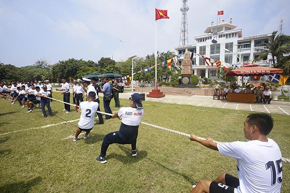 Giao lưu nhân sự giữa Hải quân Việt Nam và Hải quân Philippines