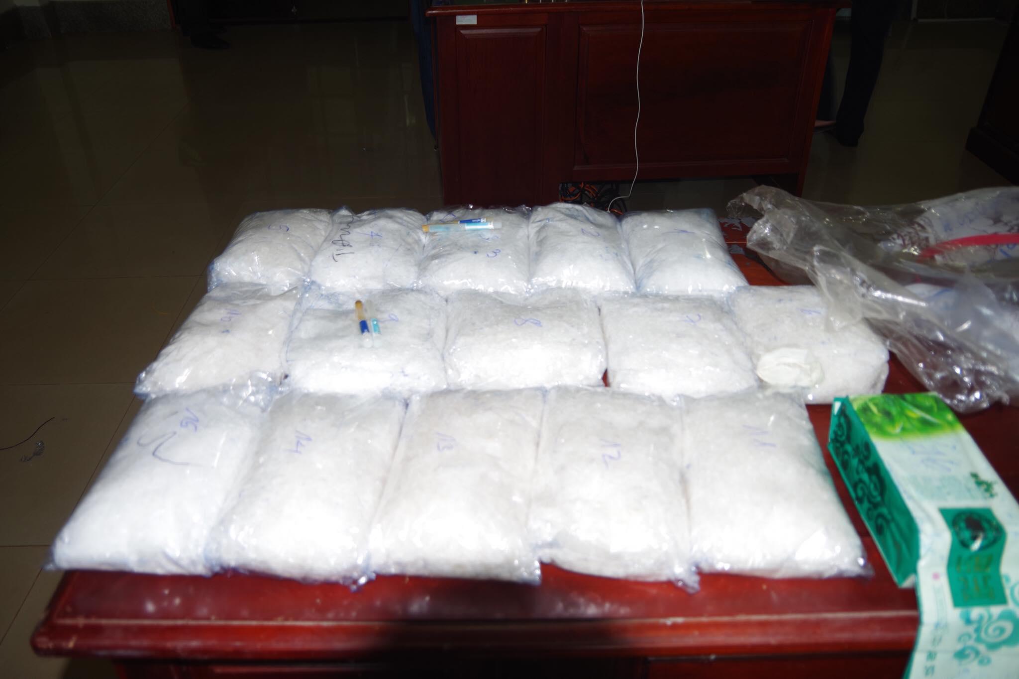 Bình Phước: Bắt hơn 15kg ma túy đá tại cửa khẩu quốc tế Hoa Lư