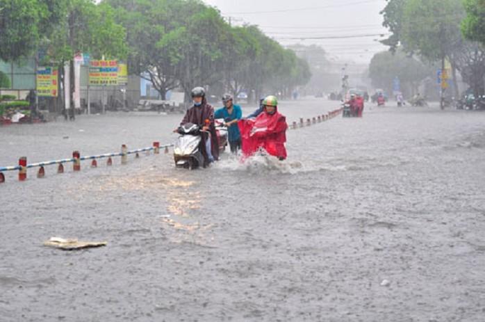 Cảnh báo mưa lớn ở Nam Tây Nguyên và Nam Bộ