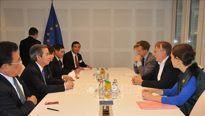 Việt Nam sẵn sàng làm cầu nối kết nối EU với ASEAN và khu vực châu Á - Thái Bình Dương   🎥