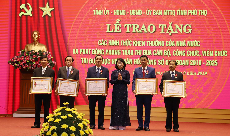 Phú Thọ: Tiếp tục đổi mới, nâng cao chất lượng phong trào thi đua