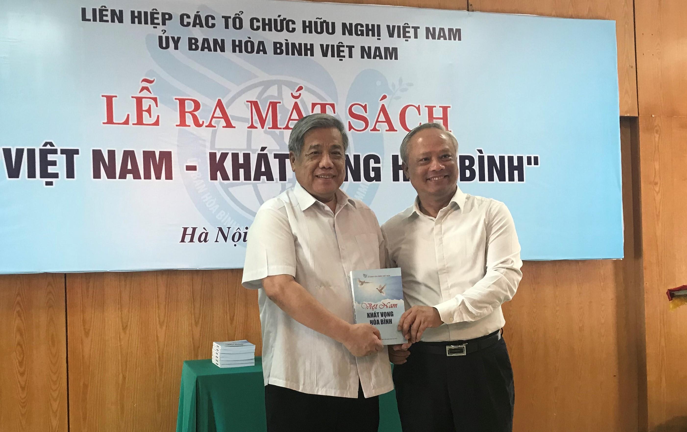 """""""Việt Nam – Khát vọng Hòa bình"""""""