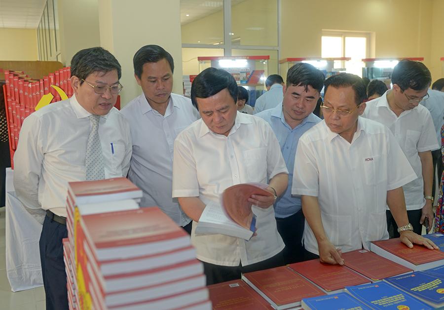 """""""Học viện Chính trị quốc gia Hồ Chí Minh – 70 năm xây dựng và phát triển"""""""
