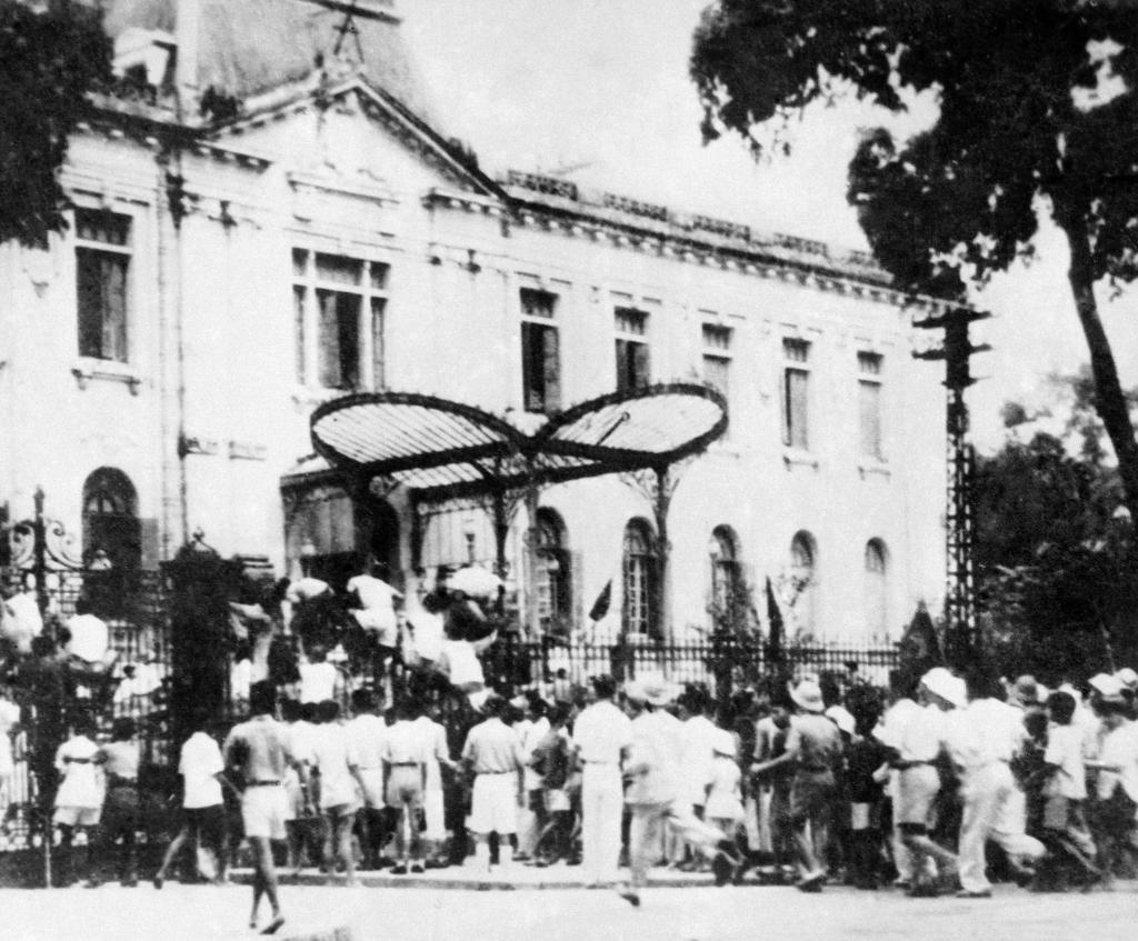 Cách mạng Tháng Tám thành công tại Thủ đô Hà Nội