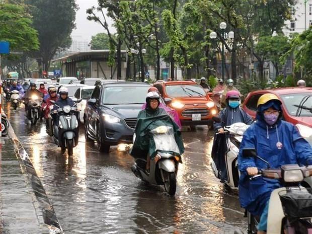 Bắc Bộ tiếp tục mưa dông, Trung Bộ nắng nóng