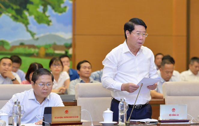 Đơn giản hoá thủ tục, tạo thuận lợi cho người nước ngoài vào Việt Nam