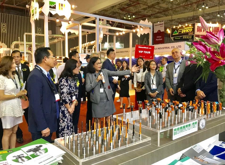 Gần 500 đơn vị tham gia triển lãm công nghiệp chế biến gỗ