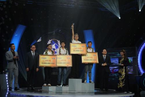 Thí sinh Trần Thế Trung vô địch Đường lên đỉnh Olympia 2019