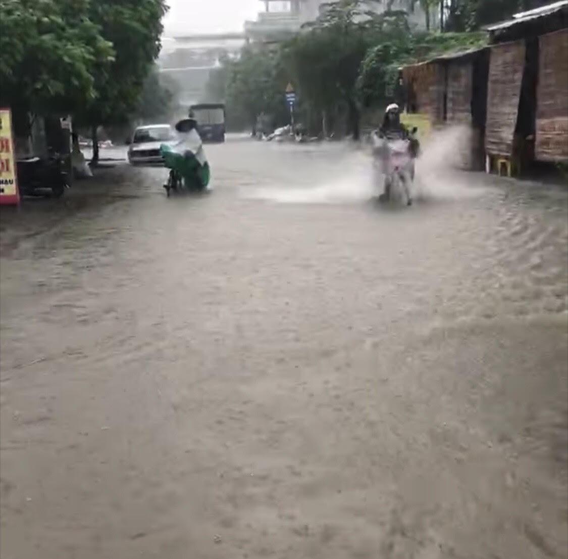 Trung Bộ, Tây Nguyên tiếp tục mưa to, nguy cơ lũ quét và sạt lở đất