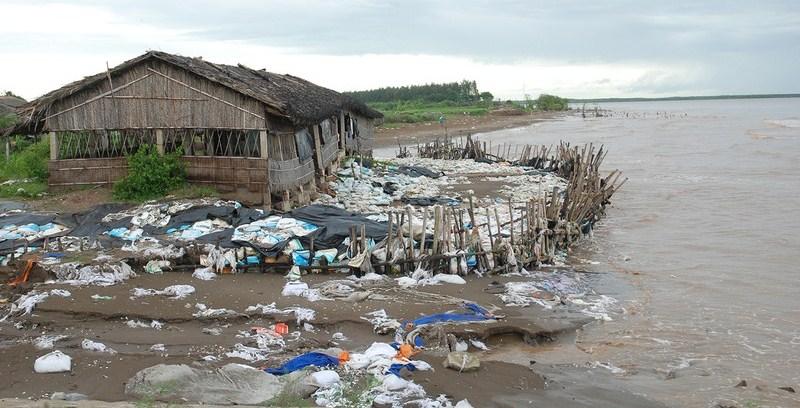 Sạt lở bờ sông, bờ biển tại Đồng bằng sông Cửu Long ngày càng phức tạp